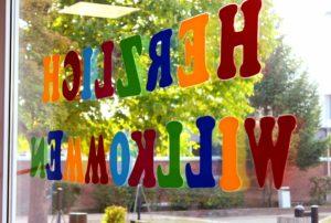 Herzlich Willkommen an unserer Schule, wir freuen uns sie begrüßen zu dürfen.